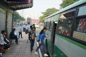 Kiến nghị chi thêm 300 tỉ đồng trợ giá xe buýt: Cần trợ giá trực tiếp cho hành khách