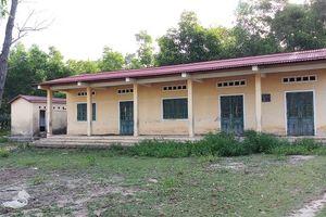 Thừa Thiên- Huế: Xây trường học rồi 'đắp chiếu'