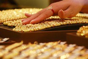 Giá vàng lại quay đầu, tăng giảm đan xen