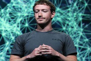 Vốn hóa Facebook giảm kỷ lục, vị trí chủ tịch của Mark Zuckerberg lại 'lung lay'