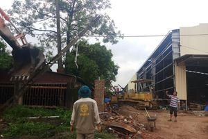 Thanh Hóa: Sập tường ít nhất 2 người tử vong
