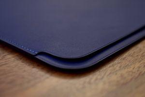 Không chỉ MacBook Pro 2018, mà cả bao da của thiết bị cũng 'dính' lỗi thiết kế khó chấp nhận