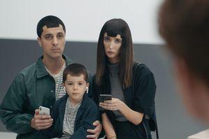 Samsung tiếp tục dìm hàng Apple trong loạt video mới