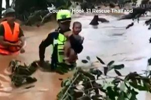 Nhóm cứu hộ đội bóng Thái giải cứu trẻ 4 tháng trong nước lũ ở Lào