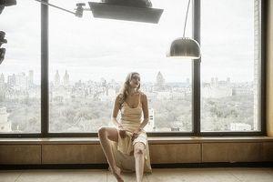 Vẻ đẹp tựa thiên thần của Gigi Hadid trong bộ ảnh lịch Pirelli nổi tiếng