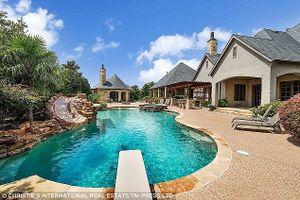 Chiêm ngưỡng biệt thự tuyệt đẹp mà Selena Gomez rao bán 2,7 triệu USD