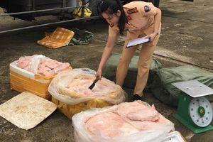 Rùng mình 2,5 tấn thịt lợn thối chuẩn bị lên bàn ăn