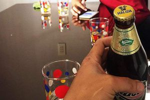 Chai bia Huda nắp Halida: Hai sản phẩm sản xuất trên cùng dây chuyền
