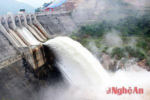 Thủy điện lớn nhất Nghệ An xả lũ trước nguy cơ mưa lớn trên diện rộng