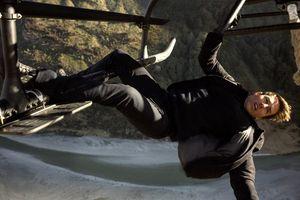 Tom Cruise đa tình và dữ dội với điệp vụ mới