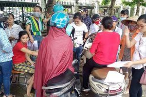 Hàng trăm giáo viên ở Hà Nội có nguy cơ mất việc: Bốc vác, làm thuê để nuôi nghề giáo