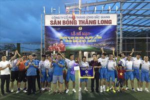 Bắc Giang: Sôi nổi giải bóng đá nam công nhân viên chức lao động