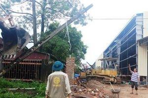 Thanh Hóa: Sập tường rào nhà xưởng, 4 công nhân thương vong