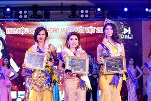 Mai Thị Ngọc Hiệp đăng quang Hoa hậu Đại sứ Hoàn vũ người Việt