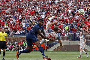 Shaqiri ra mắt bằng siêu phẩm, Liverpool thắng hủy diệt M.U