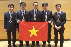 Học sinh Việt giành 2 Huy chương Vàng, xếp thứ 8 Olympic Vật lí quốc tế năm 2018