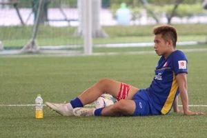 Rách cơ đùi, Hồng Duy mất cơ hội dự ASIAD 18 cùng U23 Việt Nam
