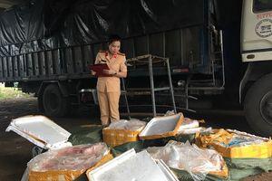 Thanh Hóa: CSGT bắt giữ xe tải vận chuyển 2,5 tấn thực phẩm bẩn