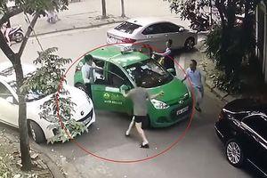 Hà Nội: Khởi tố đối tượng dùng gạch tấn công tài xế taxi Mai Linh