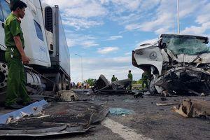 Tiết lộ danh tính 17 nạn nhân trong vụ xe rước dâu gặp TNGT thảm khốc