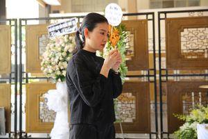 Nghệ sĩ Việt ngẹn ngào trong tang lễ NSƯT Thanh Hoàng