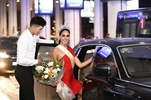 Hoa hậu Quốc tế 2017 duyên dáng sánh vai với Nam vương Ngọc Tình