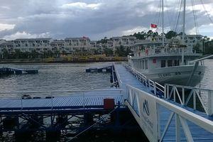 Chìm tàu ở Tuần Châu do mưa lớn, tát nước không kịp