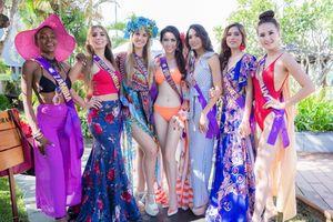 Thí sinh Hoa hậu đại sứ du lịch thế giới trình diễn trang phục dạo biển