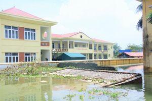 Nhiều trường học huyện Chương Mỹ (Hà Nội) ngập sâu trong nước