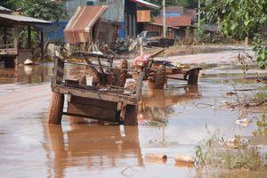 Bản làng xơ xác sau vụ vỡ đập thủy điện ở Lào