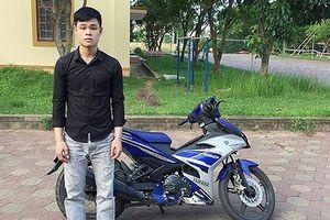 Hai thanh niên chặn xe, giật túi cướp hơn 60 triệu đồng