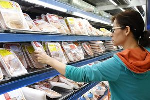 Các siêu thị TP Hồ Chí Minh lên tiếng sau nghi vấn đưa gà dai thải loại vào bán