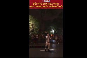 Chàng trai có giọng hát giống Ưng Hoàng Phúc cover hit của Hoa Vinh trên phố đi bộ khiến khán giả mê mẩn