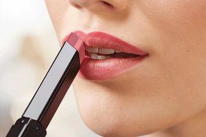 Là phụ nữ nhất định phải nhớ 3 bước son môi lên màu chuẩn như quảng cáo, bền lâu suốt ngày dù ăn uống 'thả ga'
