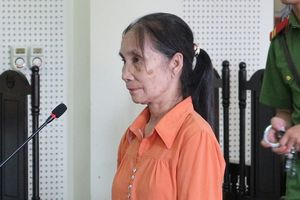 Cầm sổ hưu: Cô giáo 'làm giàu' bằng cách bán học sinh, em họ sang Trung Quốc