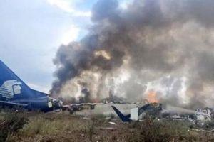 Điều kỳ diệu trong vụ máy bay chở 101 người rơi 'tan tành' ở Mexico