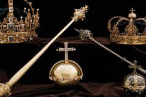 Vương miện hoàng gia Thụy Điển bị đánh cắp táo tợn
