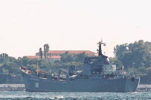 Tàu Nga chở vũ khí tới Syria trước một trận đánh quan trọng
