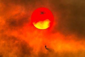Diễn biến thời tiết khó lường do cháy rừng khắc nghiệt ở California tạo ra