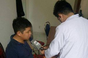 Khởi tố, bắt tạm giam người đánh kiểm sát viên và phóng viên tại tòa