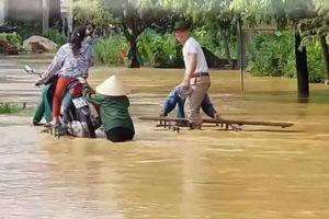 Người dân Hà Nội kiếm bộn tiền bằng nghề 'giải cứu' xe bất đắc dĩ