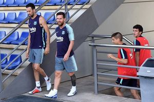 4 ngôi sao Barca trở lại tập luyện, sẵn sàng cho trận tranh Siêu cúp