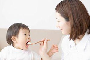 Mẹ bỉm sữa Trung Quốc bày cách nuôi con 'lớn nhanh như thổi'