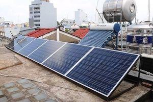 Nhiều người dân TPHCM dùng điện không phải trả tiền, còn bán lại số điện dư