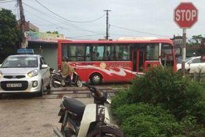 Tiết lộ danh tính nạn nhân tử vong vụ tàu hỏa đâm ô tô ở Nam Định