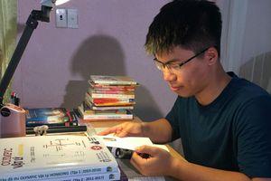 Nam sinh xứ Thanh liên tiếp giành HCV Olympic vật lý khu vực và quốc tế