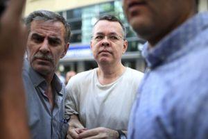 Mỹ áp đặt các biện pháp trừng phạt với Thổ Nhì Kỹ vì bắt giữ linh mục Andrew Brunson