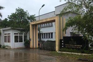 Buộc trường Chu Văn An trả bằng và tiền cho giáo viên