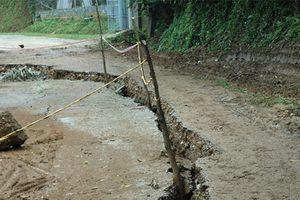 Hòa Bình: Sụt lún nghiêm trọng, di dân khẩn cấp vùng hạ lưu thủy điện