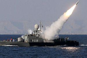 Iran bất ngờ chuẩn bị tập trận quân sự quy mô lớn trên vịnh Ba Tư, Mỹ 'toát mồ hôi hột'